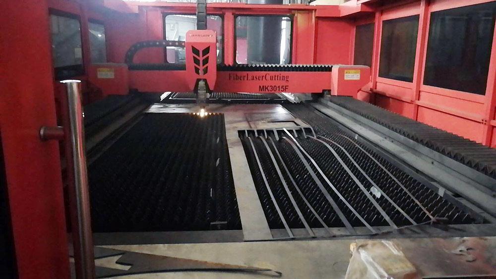 生产设备-激光切割机